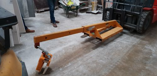 Rigid Fork Lift Boom with Telescopic Extension.